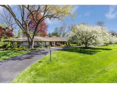 Bloomfield Hills, Bloomfield Twp Single Family Home For Sale: 710 Kennebec Court