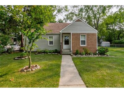 Dearborn Heights Single Family Home For Sale: 8004 Nightingale Street