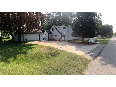 Rochester Hills MI Single Family Home For Sale: $200,000
