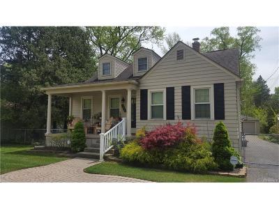 Farmington, Farmington Hills Single Family Home For Sale: 32435 Cloverdale Avenue