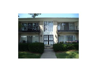 Southfield Condo/Townhouse For Sale: 29135 Evergreen Road