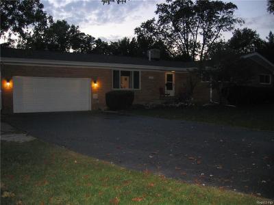Rochester Hills Single Family Home For Sale: 2830 Walbridge Road