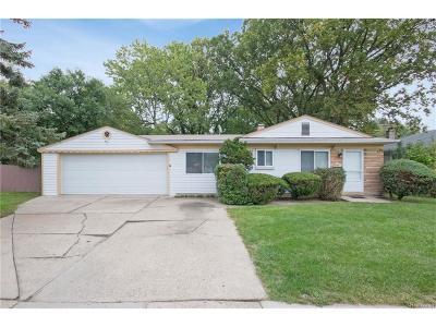 Oakland County Single Family Home For Sale: 4044 Greenfield Road