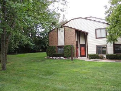 Southfield Condo/Townhouse For Sale: 24099 Evergreen Road