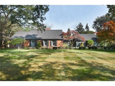 Bloomfield Twp Single Family Home For Sale: 6130 Lantern Lane