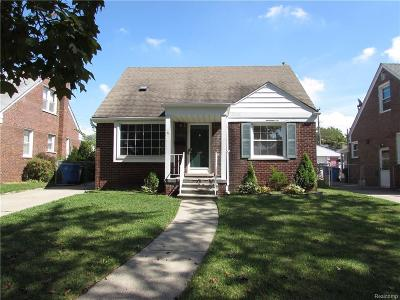 Dearborn Heights Single Family Home For Sale: 25485 Oakland