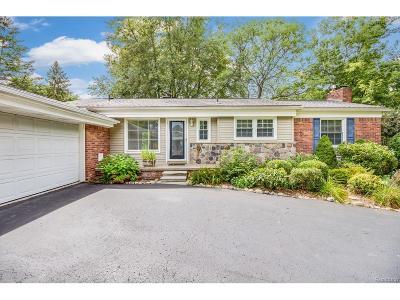 Bloomfield, Bloomfield Hills, Bloomfield Twp, West Bloomfield, West Bloomfield Twp Single Family Home For Sale: 2797 Warwick