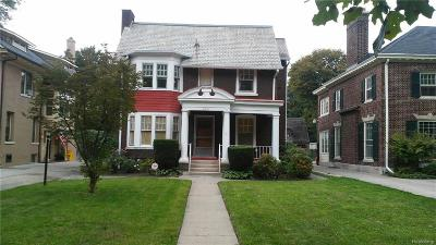 Detroit Single Family Home For Sale: 2233 Iroquois Street