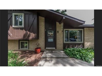 Bloomfield, Bloomfield Hills, Bloomfield Twp, West Bloomfield, West Bloomfield Twp Single Family Home For Sale: 7734 Richardson Road