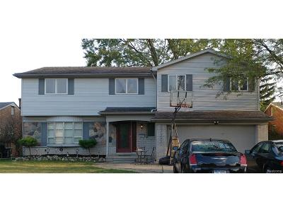 Dearborn Heights Single Family Home For Sale: 27259 Kingswood Drive