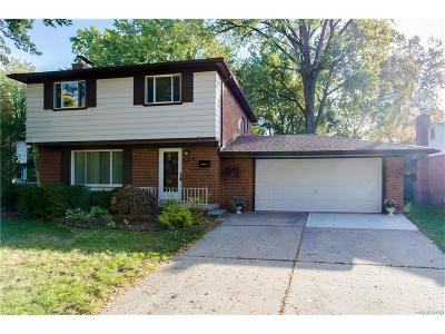 Livonia Single Family Home For Sale: 14518 Gary Lane