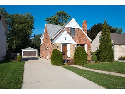 Berkley Single Family Home For Sale: 1739 Cass Boulevard