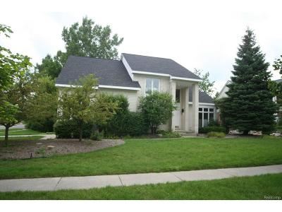 West Bloomfield, West Bloomfield Twp Single Family Home For Sale: 7234 Woodlore Drive