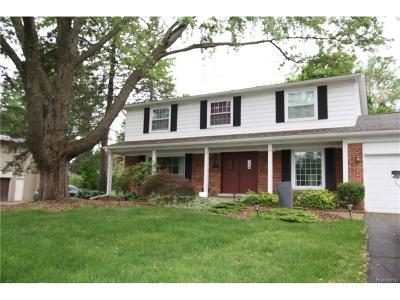 Bloomfield Hills Single Family Home For Sale: 2866 Aldgate Drive