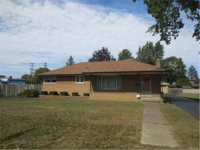 Romulus MI Single Family Home For Sale: $159,900