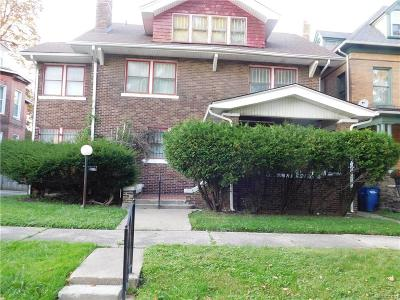 Detroit Single Family Home For Sale: 100 Lawrence