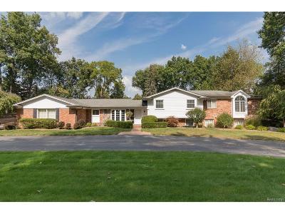 Bloomfield Twp Single Family Home For Sale: 4090 Overlea Lane