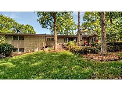Bloomfield Twp Single Family Home For Sale: 4653 Brightmore Road
