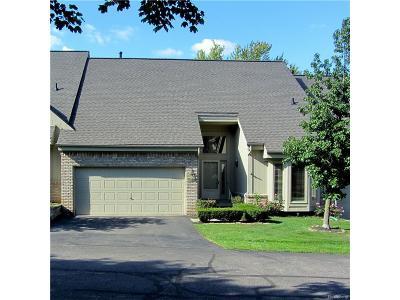Farmington Hills Condo/Townhouse For Sale: 24539 Martel Drive