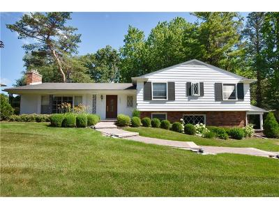Bloomfield Twp Single Family Home For Sale: 3622 Darcy Drive