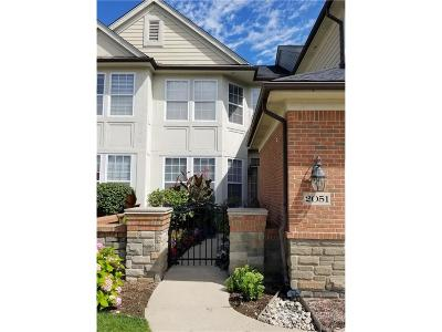 Troy Condo/Townhouse For Sale: 2051 Applewood