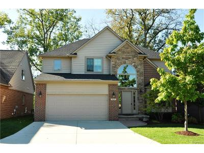 Plymouth Single Family Home For Sale: 9357 Village Manor Drive