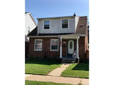 Wyandotte Single Family Home For Sale: 411 Kingshighway Drive