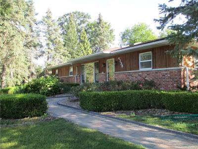 West Bloomfield, West Bloomfield Twp Single Family Home For Sale: 4738 Auburndale Court