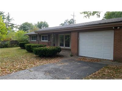 Commerce Twp Single Family Home For Sale: 1075 N Commerce Road