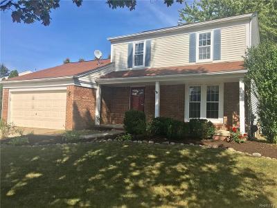 Rochester Hills Single Family Home For Sale: 275 Dalton Drive