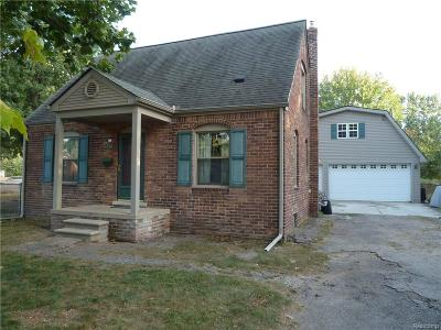 Garden City MI Single Family Home For Sale: $145,900