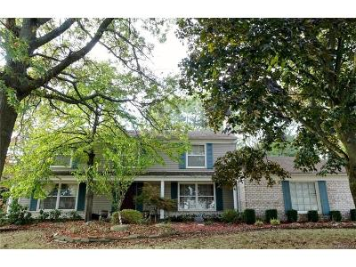 West Bloomfield Single Family Home For Sale: 5230 Hardwoods
