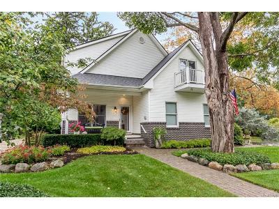 Farmington, Farmington Hills Single Family Home For Sale: 33600 Shiawassee Street
