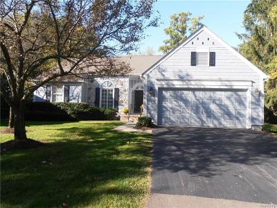 Bloomfield Twp Condo/Townhouse For Sale: 2532 Loch Creek Way