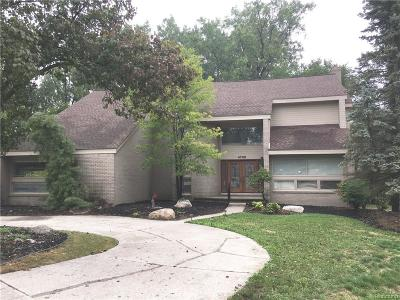 West Bloomfield, West Bloomfield Twp Single Family Home For Sale: 4702 Mada Court
