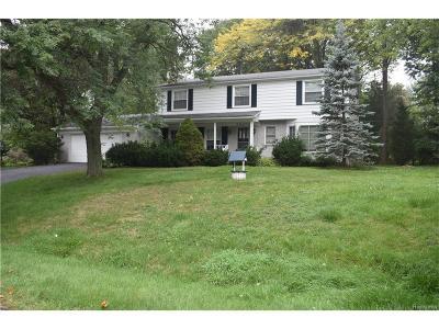 Farmington Hills Single Family Home For Sale: 30272 Fiddlers Green