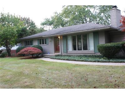 Farmington Hills Single Family Home For Sale: 28035 Hawberry Road