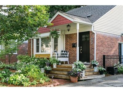 Plymouth Single Family Home For Sale: 396 Auburn Street