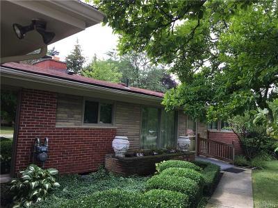 Farmington Hills Single Family Home For Sale: 32035 Tareyton Street