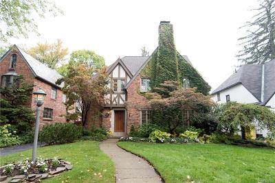 Huntington Woods Single Family Home For Sale: 8286 Huntington