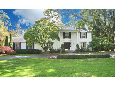Bloomfield Hills Single Family Home For Sale: 552 Kingsley Trail