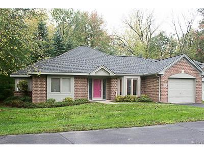 Farmington Hills Condo/Townhouse For Sale: 21411 Archwood Circle