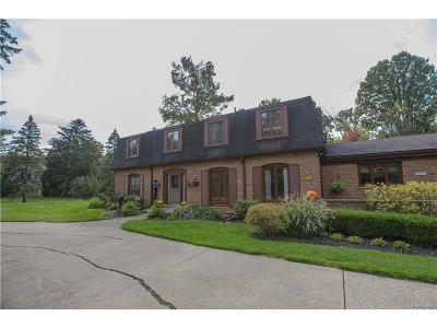 Farmington Hills Single Family Home For Sale: 28158 Forestbrook Drive