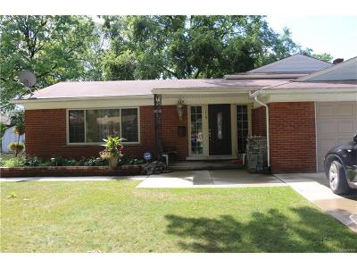 Dearborn Heights Single Family Home For Sale: 339 Centralia Street