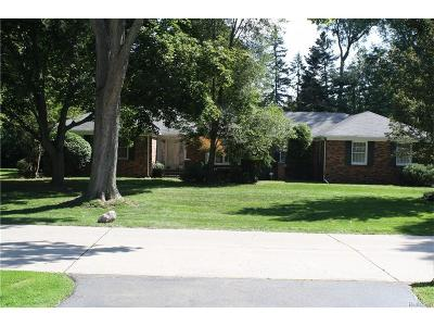 Farmington Hills Single Family Home For Sale: 28612 Lincolnview Drive