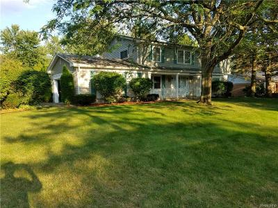 Farmington Hills Single Family Home For Sale: 29982 Muirland Drive