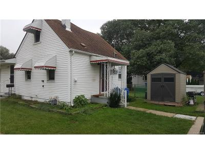 Dearborn Heights Single Family Home For Sale: 18302 Powers Avenue