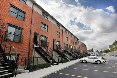 Royal Oak Condo/Townhouse For Sale: 634 W Eleven Mile Road