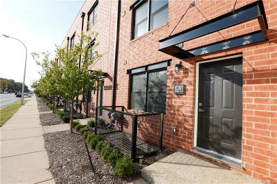 Royal Oak MI Condo/Townhouse For Sale: $299,900