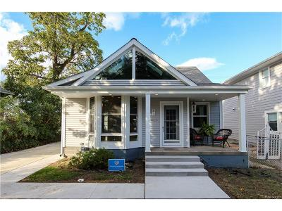 Pleasant Ridge Single Family Home For Sale: 3 Kensington Boulevard